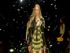 Burberry brings the catwalk to you