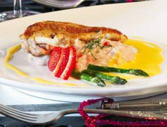 Guinea-fowl breast with strawberry risotto