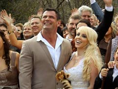 Kickboxing champ gets fairytale bushveld wedding