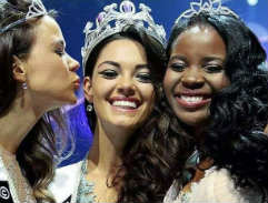 The incredibly beautiful Demi-Leigh Nel-Peters ​crowned Miss SA 2017