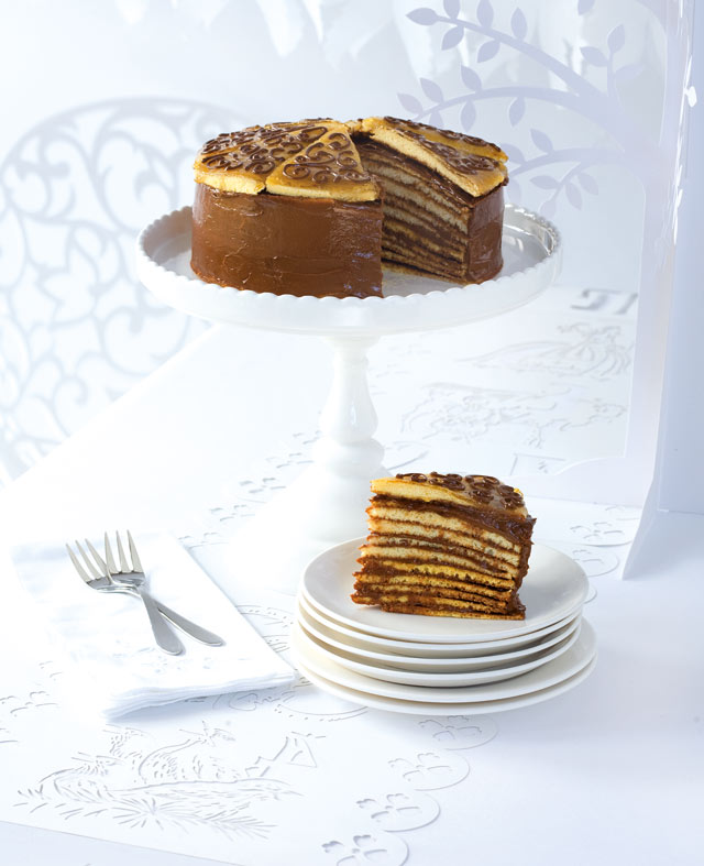 Make a delicious Dobos Torte, layered cake with chocolate buttercream and crunchy caramel