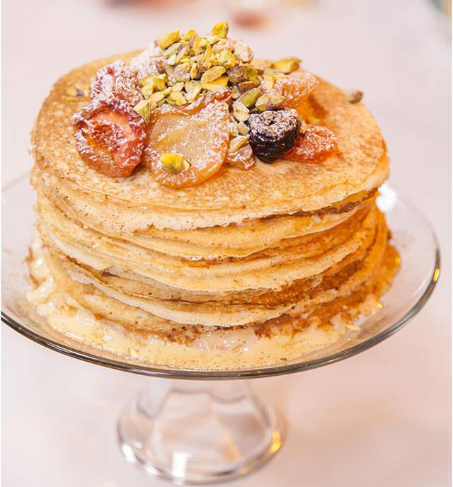 Make a delicious milktart pancake stack