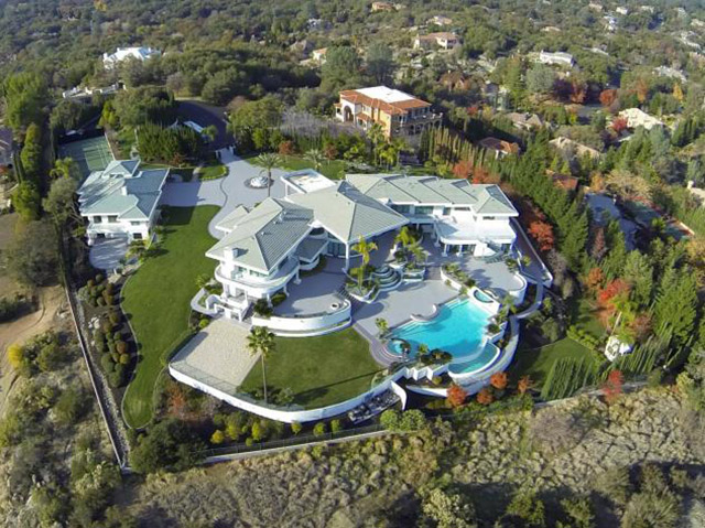 See the gorgeous former home of Hollywood actor Eddie Murphy in Granite Bay, Calif.