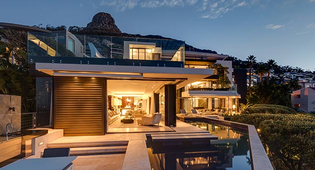 Top Billing features a spectacular Moondance villa 3