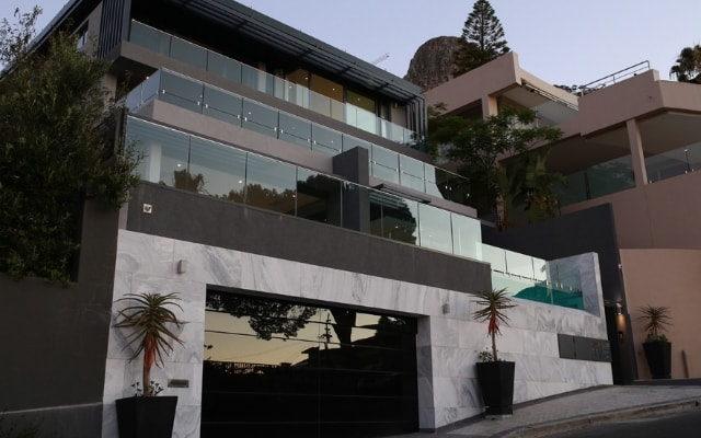 Top Billing Fresnaye smart house